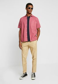 FoR - HARTLEY TAPERED FIT  - Chinos - stone - 1