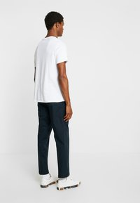 FoR - HARTLEY TAPERED FIT  - Chinos - navy - 2