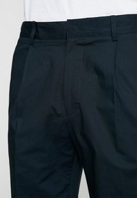 FoR - HARTLEY TAPERED FIT  - Chinos - navy - 3