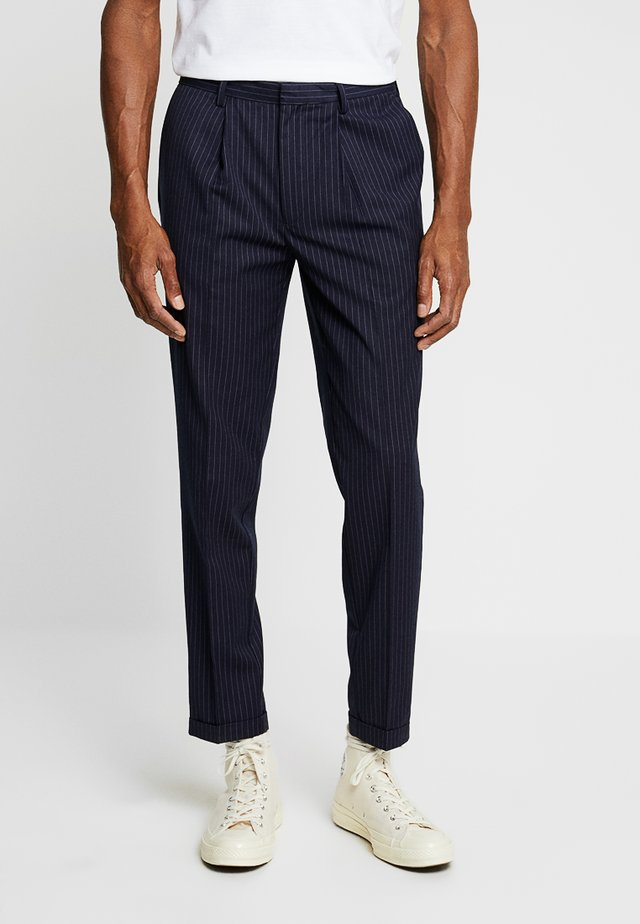 DALTON TAPERED SMART STRIPE TROUSER - Pantaloni - navy