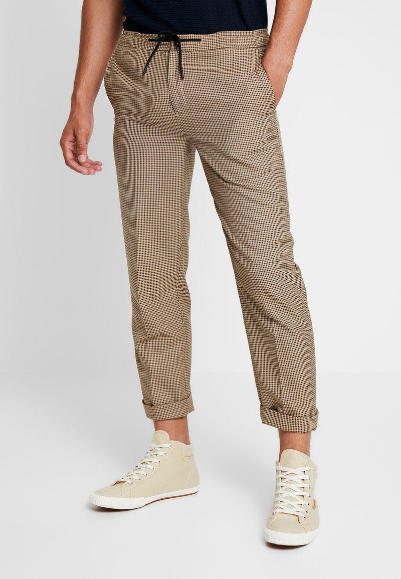 FoR - DIERDRICK DRAWSTRING MINI CHECK - Trousers - stone