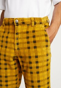 FoR - CHECK TROUSER - Kalhoty - yellow - 4