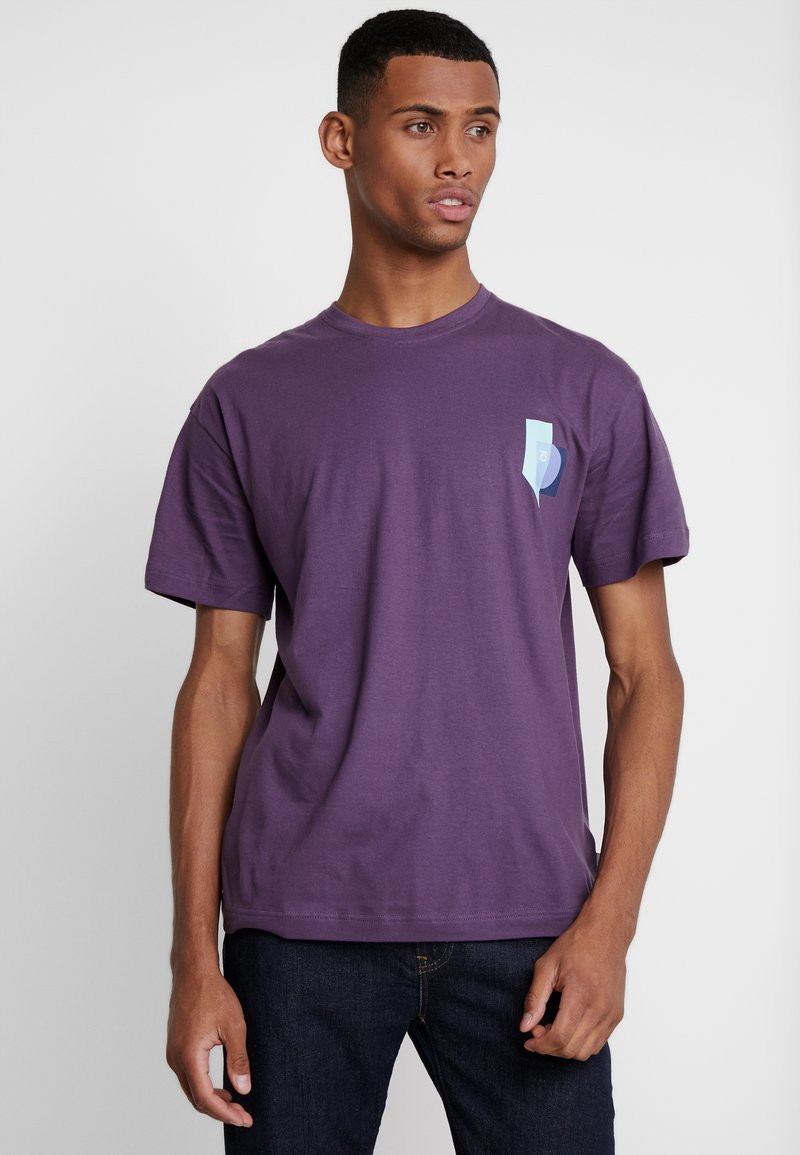 FoR - BOLD GRAPHIC TEE - T-shirt med print - purple