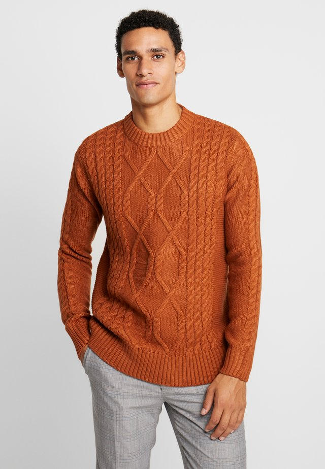 TROMSO CABLE CREW - Strickpullover - brown