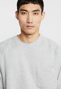 FoR - EVERT BACK PRINT - Sweatshirt - mid grey - 3