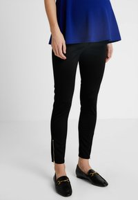 Forever Fit - EXCLUSIVE ZIP JEGGING - Tygbyxor - black - 0