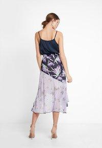 Foxiedox - LALA  - Blyantnederdel / pencil skirts - purple multi - 2