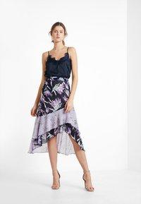 Foxiedox - LALA  - Blyantnederdel / pencil skirts - purple multi - 1