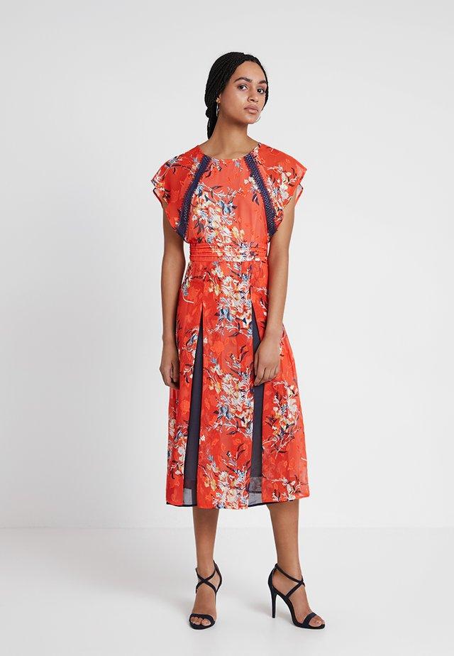OLENA MIDI - Długa sukienka - orange multi