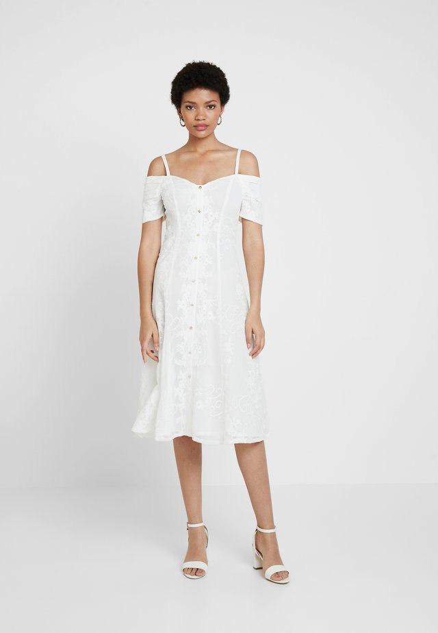 HANI DRESS - Cocktailkjoler / festkjoler - white