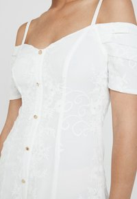 Foxiedox - HANI DRESS - Cocktailkjoler / festkjoler - white - 5