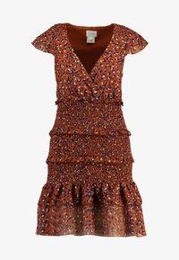 Foxiedox - LUNA SMOCKED DRESS - Vestido informal - metallic red - 5