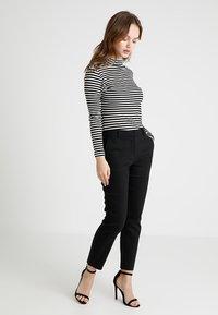 Forever New Petite - MINDY PANT - Kalhoty - black - 1