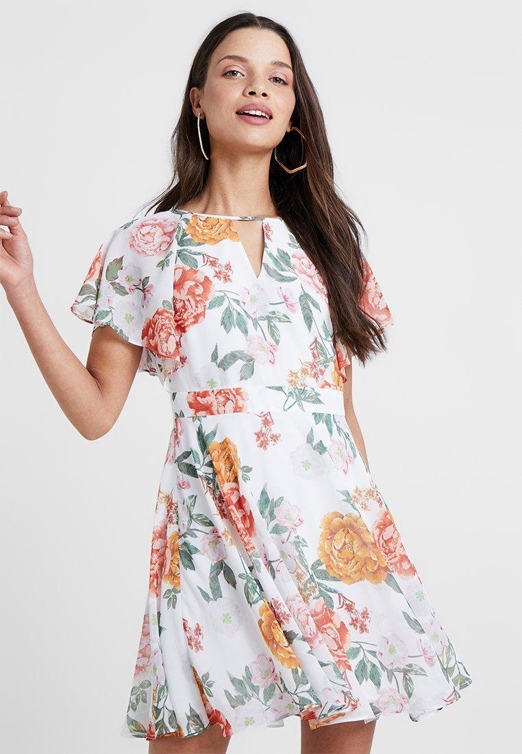 Forever New Petite - FLUTTER DRESS - Hverdagskjoler - multi-coloured