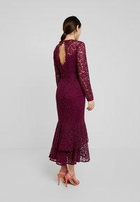Forever New Petite - MICHELLE DRESS - Cocktail dress / Party dress - plum - 2
