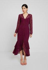 Forever New Petite - MICHELLE DRESS - Cocktail dress / Party dress - plum - 1