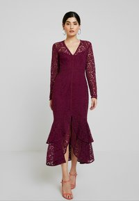 Forever New Petite - MICHELLE DRESS - Cocktail dress / Party dress - plum - 0