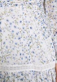 Forever New Petite - MADDISON TRIM SPLICE DRESS - Robe d'été - white - 5