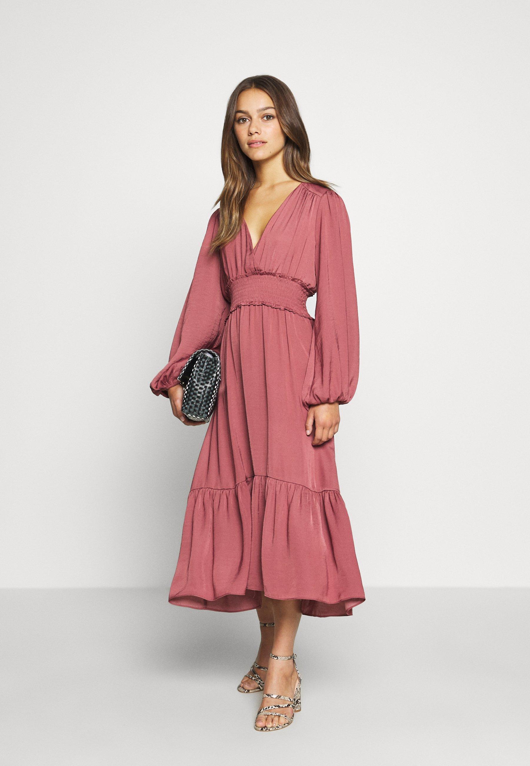 Forever New Petite Shirred Dress - Vestito Estivo Burnt Berry INKdC