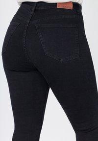 FOX FACTOR - Slim fit jeans - cosmic black - 3