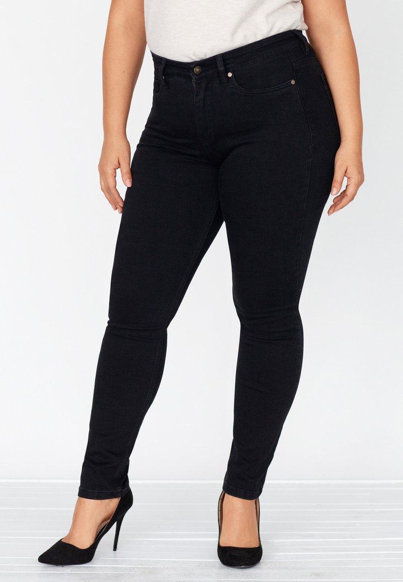 FOX FACTOR - Slim fit jeans - cosmic black