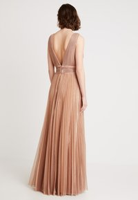 Forever Unique Main Collection - IXIA - Ballkleid - rose gold - 3