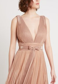 Forever Unique Main Collection - IXIA - Ballkleid - rose gold - 6