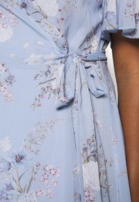 Forever New Curve - EBONY RUCHED - Day dress - dusty bluebell floral - 5