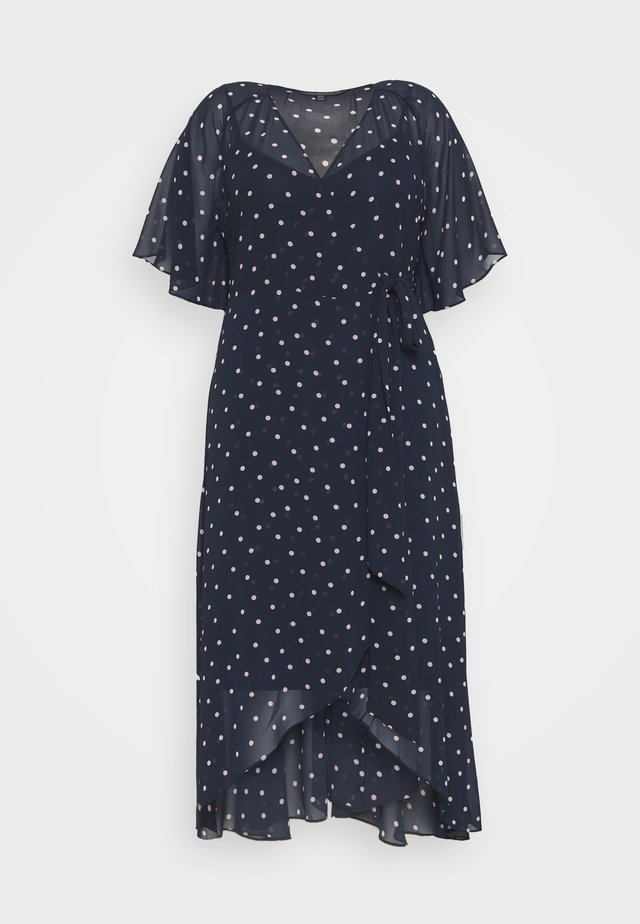 EMMA FLUTTER WRAP MAXI CURVE DRESS - Korte jurk - ditsy spot