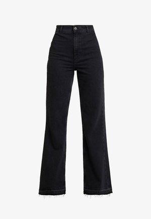 MINDY RIGID - Jeans a zampa - black