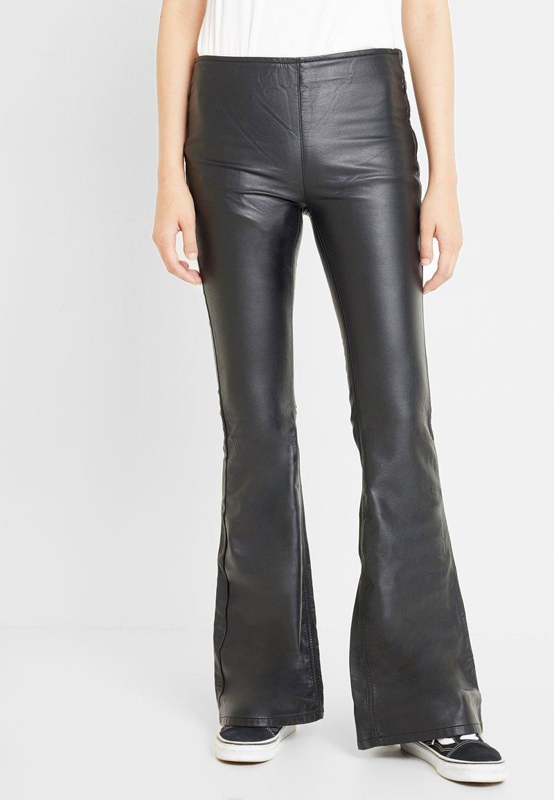 Free People - PENNY PULL ON VEGAN - Pantalon classique - black