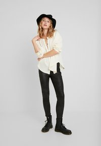Free People - MIDNIGHT - Pantalon classique - black - 1