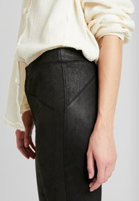 Free People - MIDNIGHT - Pantalon classique - black - 4
