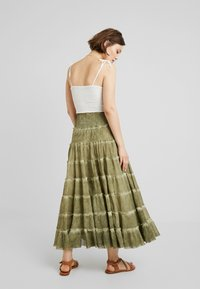 Free People - STUCK IN A MOMENT SKIRT - Długa spódnica - moss - 2