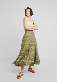 Free People - STUCK IN A MOMENT SKIRT - Długa spódnica - moss - 1
