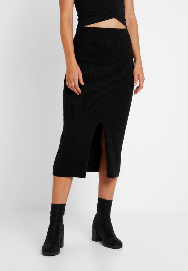 SKYLINE MIDI - Pouzdrová sukně - black
