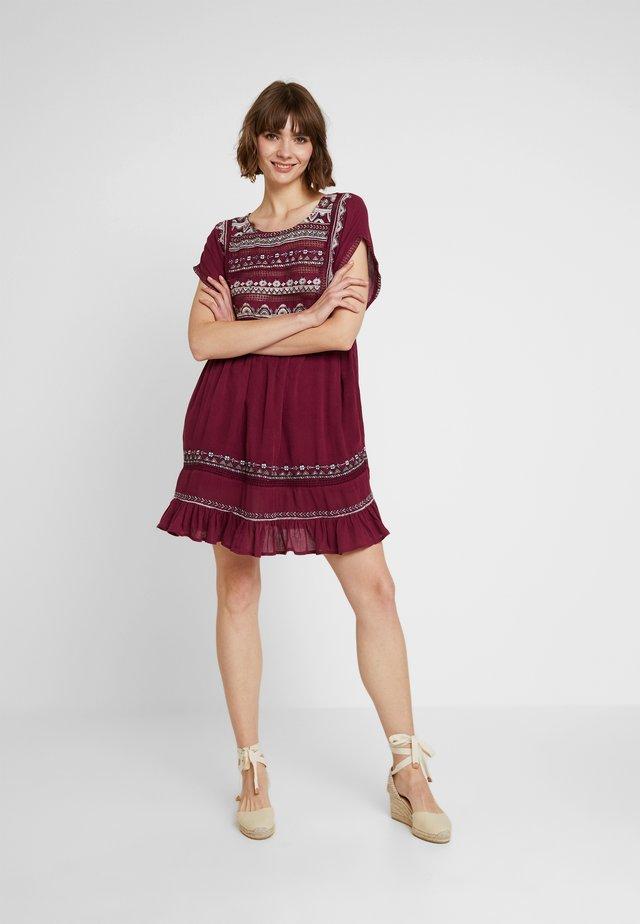 SUNRISE WANDERER MINI - Korte jurk - plum
