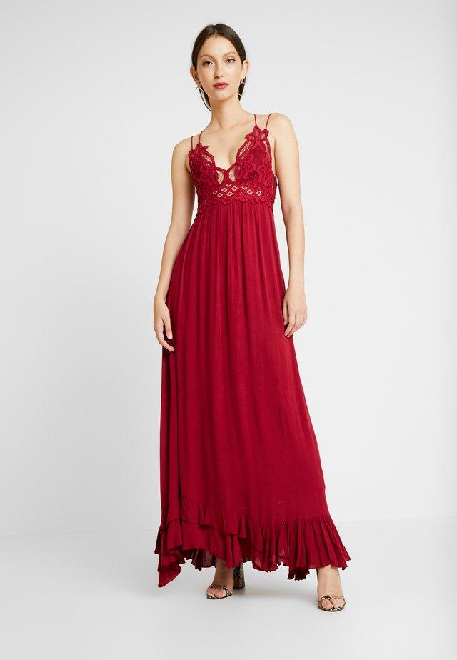 ADELLA SLIP - Maxi šaty - raspberry