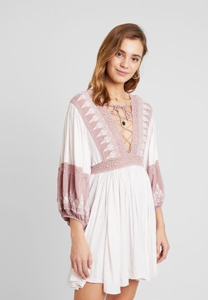 TURN HEADS MINI - Robe d'été - dusty mauve