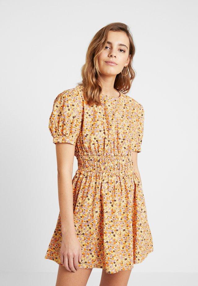 PENNIE MINI - Denní šaty - yellow combo