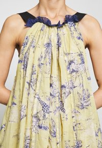 Free People - TROPICAL TOILE MAXI - Denní šaty - green - 7
