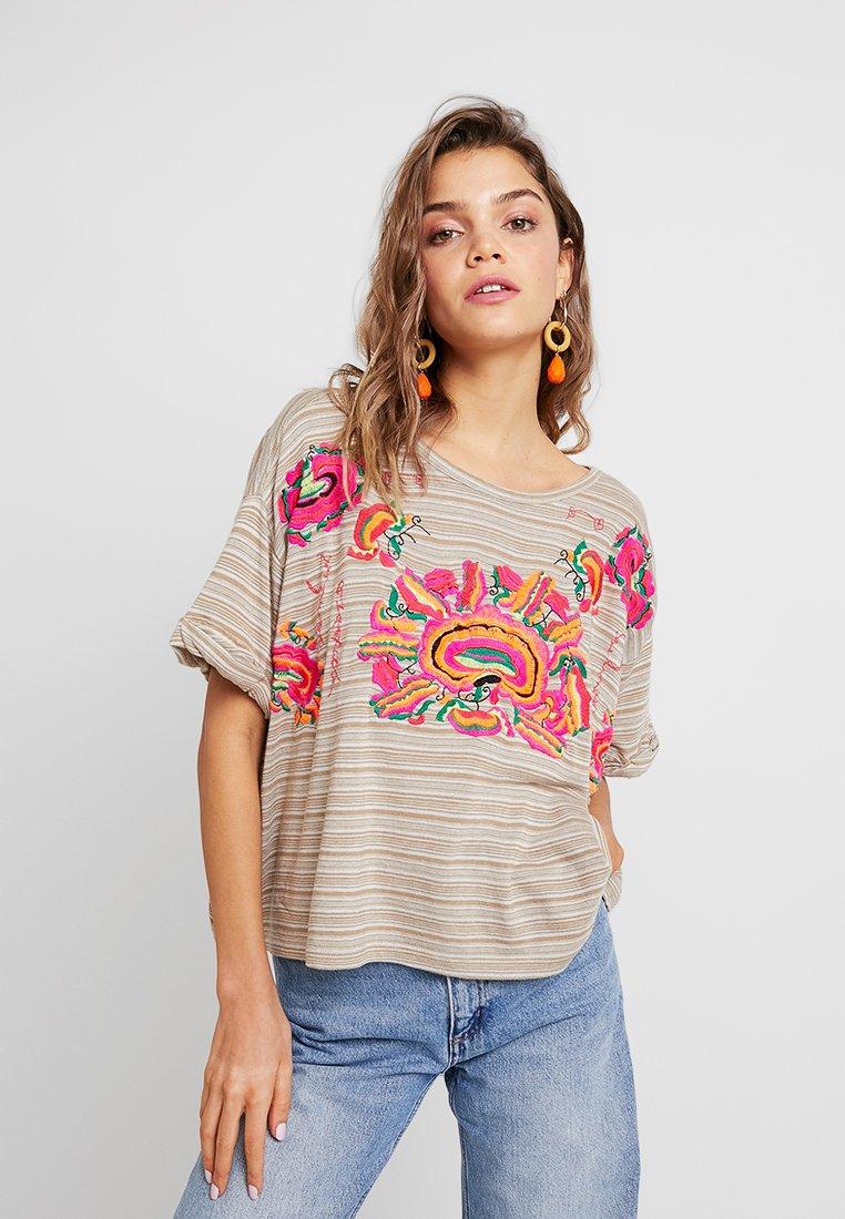 Free People - CATALUNYA TEE - T-Shirt print - mushroom