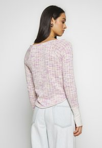 Free People - SPACED OUT LONG SLEEVE - Svetr - pink - 2