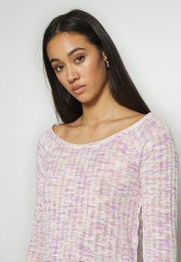 Free People - SPACED OUT LONG SLEEVE - Svetr - pink - 3