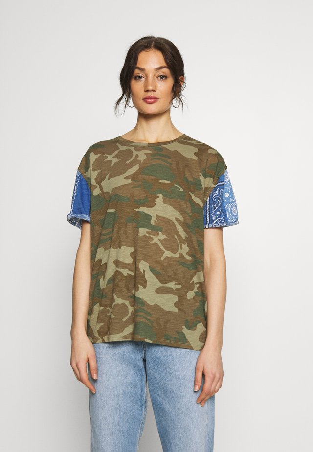PRINTED CLARITY TEE - T-Shirt print - green