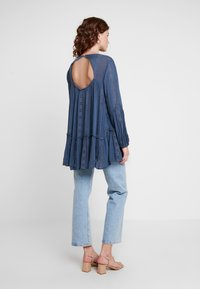 Free People - KISS KISS TUNIC - Tunique - navy - 2