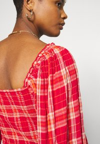 Free People - CHERRY BOMB MADRASS PLAID - Blouse - red - 5