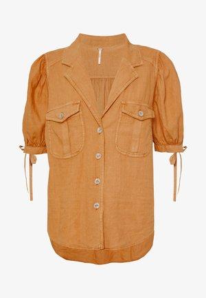 SAFARI BABE  - Skjorte - apricot