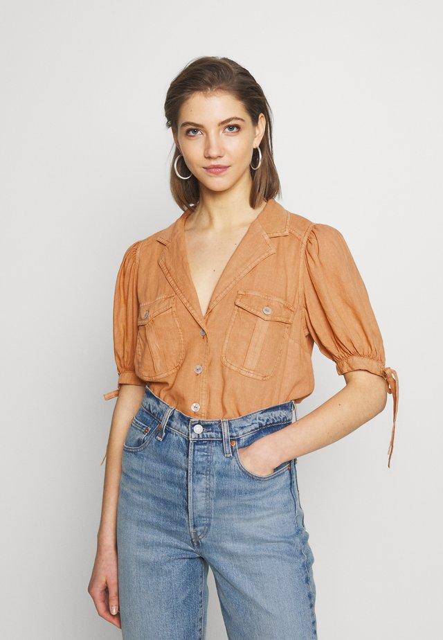 SAFARI BABE  - Button-down blouse - apricot