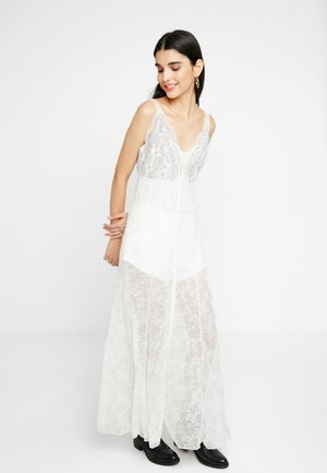 NEXT TO YOU - Vestido largo - ivory